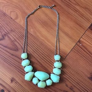 Jewelry - Chunky green necklace